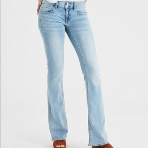American Eagle Mid-Rise Artist Flare Long Jeans